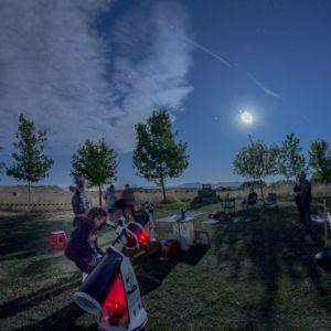 Observar luna con telescopio